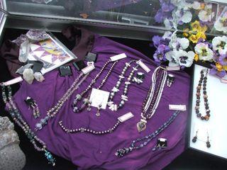 Boothe jewelry purple case