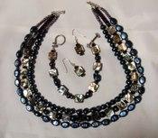 Jewelry_abalone_shell_necklace_brac
